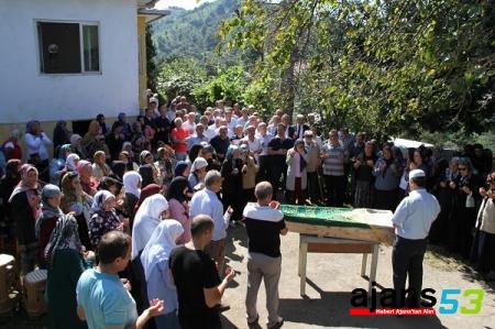 Sütlüoğlu'nun annesi Elmas Sütlüoğlu son yolculuğuna uğurlandı